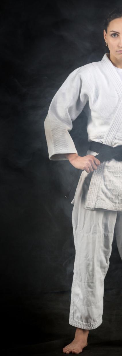Judokate ceinture noire déterminée pour la reprise